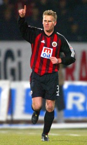11.Mart.2004.UEFA.Kupasi.4.Tur.1.Maci.Genclerbirligi1-0Valencia -10-