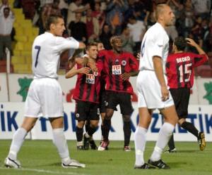 12.Agustos.2004.UEFA.Kupasi.2.On.Eleme.Turu.1.Mac.Genclerbirligi1-0HNKRijeka -4-