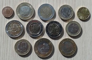 24 Aralik 2013 - Gidilen Yila Ait, Ulke Paralari Koleksiyonu -On Yuz-