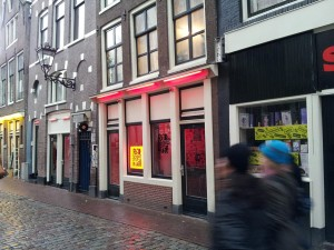 29 Kasim 2013 - De Wallen (Red Light District, Kırmızı Isik Bölgesi), Amsterdam, Hollanda -01-