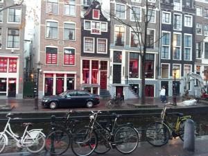 29 Kasim 2013 - De Wallen (Red Light District, Kırmızı Isik Bölgesi), Amsterdam, Hollanda -02-
