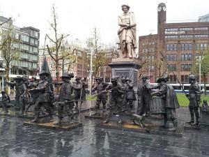 29 Kasim 2013 - Rembrandtplein(Rembrandt Square, Rembrandt Meydani), Amsterdam, Hollanda -01-