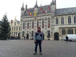 Mehmet Ali Cetinkaya - 28 Kasim 2013 - Burg Square, Brugge, Belcika