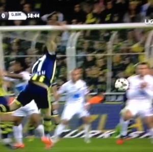 1 Mart 2014 - Fenerbahce - Genclerbirligi 1. Penalti -1-