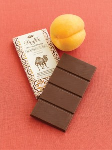 Dolfin - Milk Chocolate with Apricots